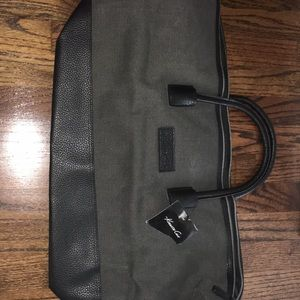 Kenneth Cole duffle/tote bag